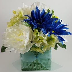 Blue and Green Daisy and Hydrangea Center Piece