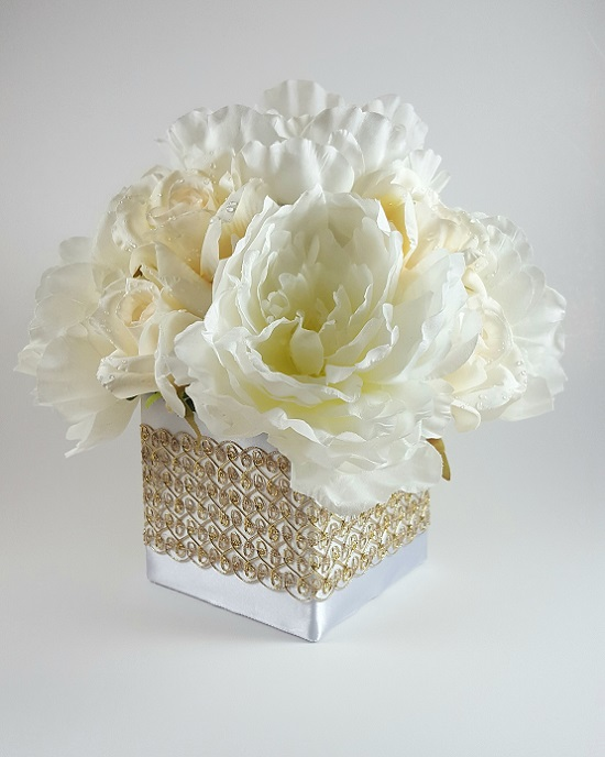 White peony with ivory roses centerpiece r r party store white peony with ivory roses centerpiece mightylinksfo