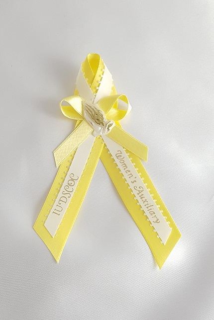 Double Ribbons with Bow and Praying Hands Capia