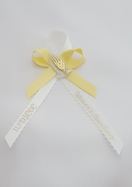 Picot Ribbon with Bow and Praying Hands Capia